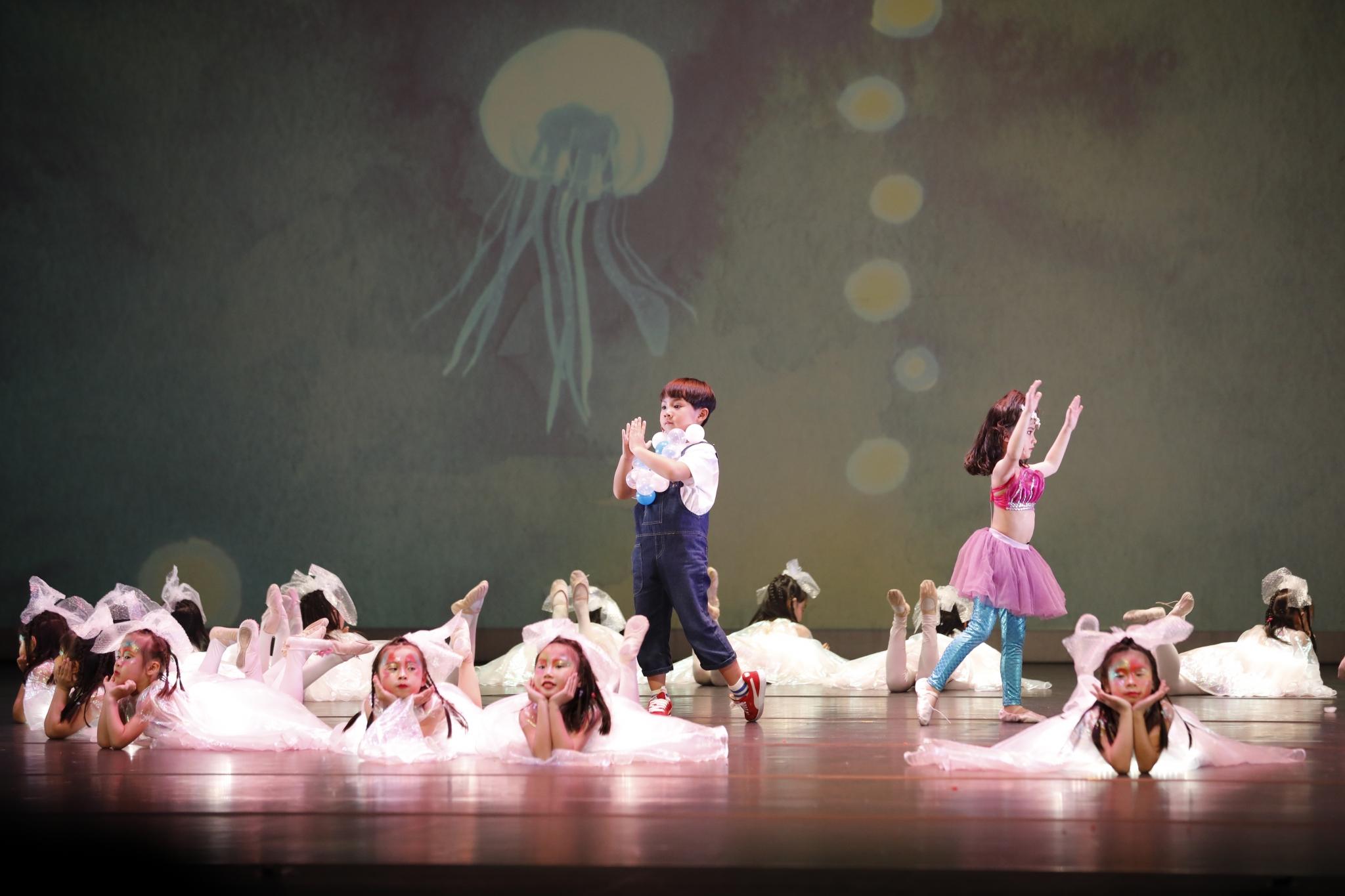 《美人魚的泡沫》演出相片(劇照由澳門基金會提供)