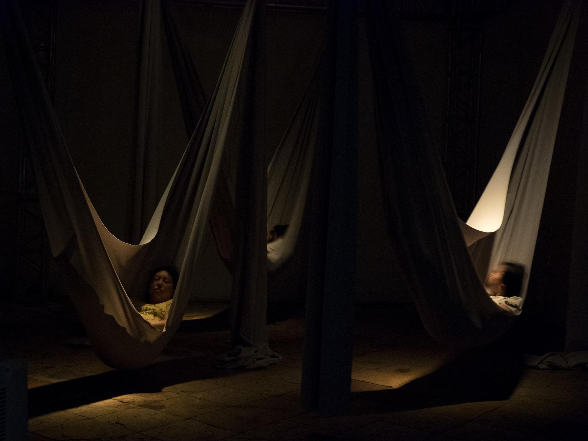 《無深睡眠》演出相片(劇照由澳門文化局提供)