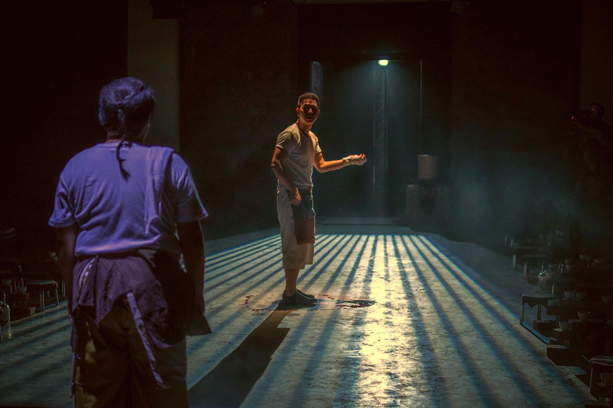 《藥》演出照片(劇照由滾動傀儡另類劇場提供;攝影:Erik Tam)
