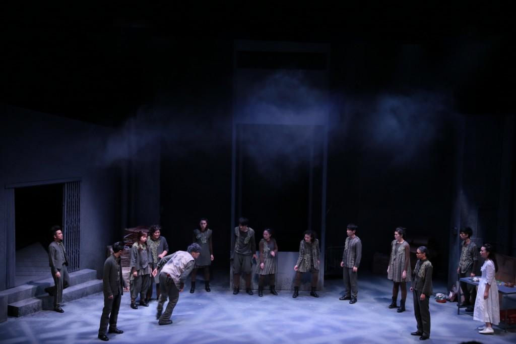 演出:《我城故事》  攝影:鄭冬