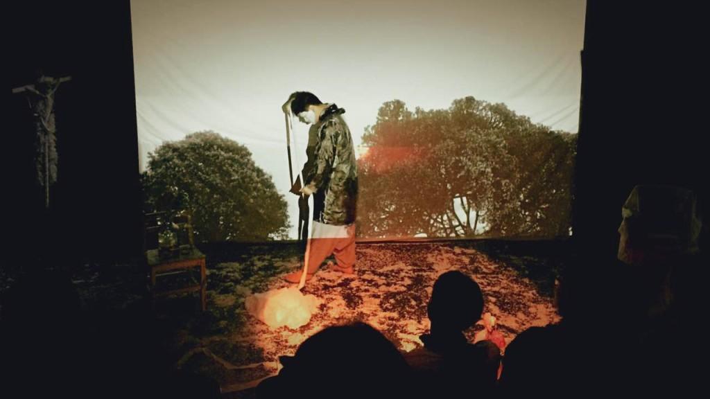 《劇場搏劇場》-裝置現場:《黑白人生》  (照片由自家劇場提供)