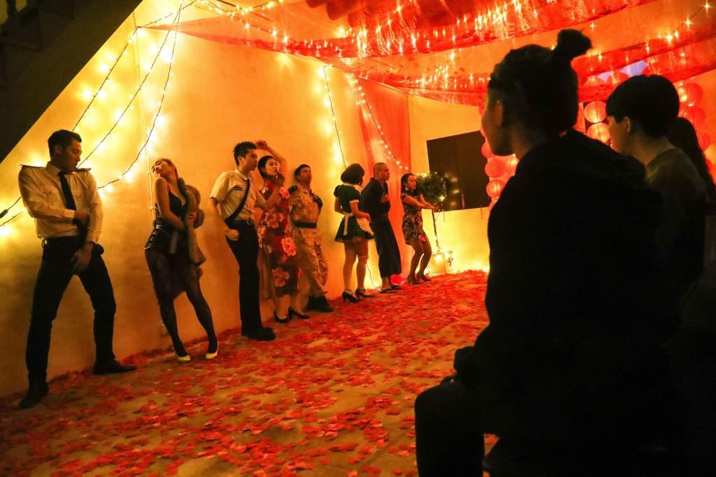 第十六屆澳門藝穗節─《坐坐茶室》演出相片(相片由文化局提供)