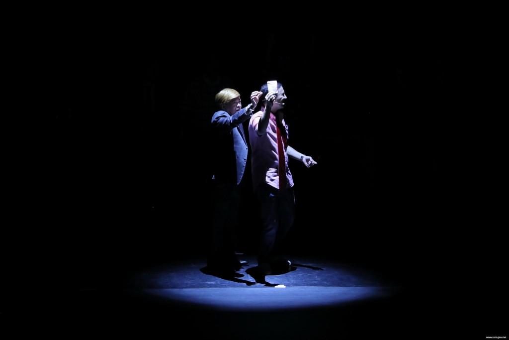 第二十八屆澳門藝術節《風來運轉》│ 澳門土生土語話劇團(圖片由文化局提供