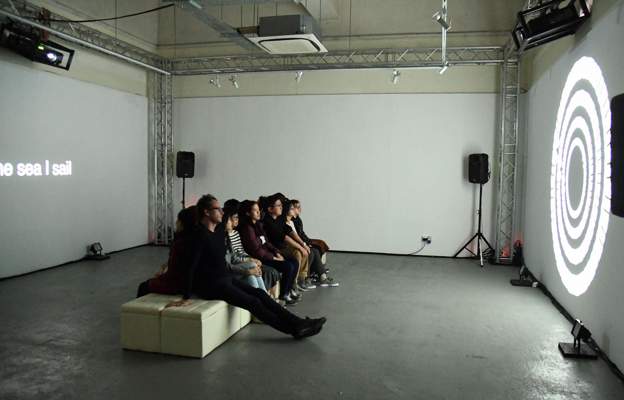 身體感官系列《碰而不見》演出相片(劇照由澳門特別行政區政府文化局提供)