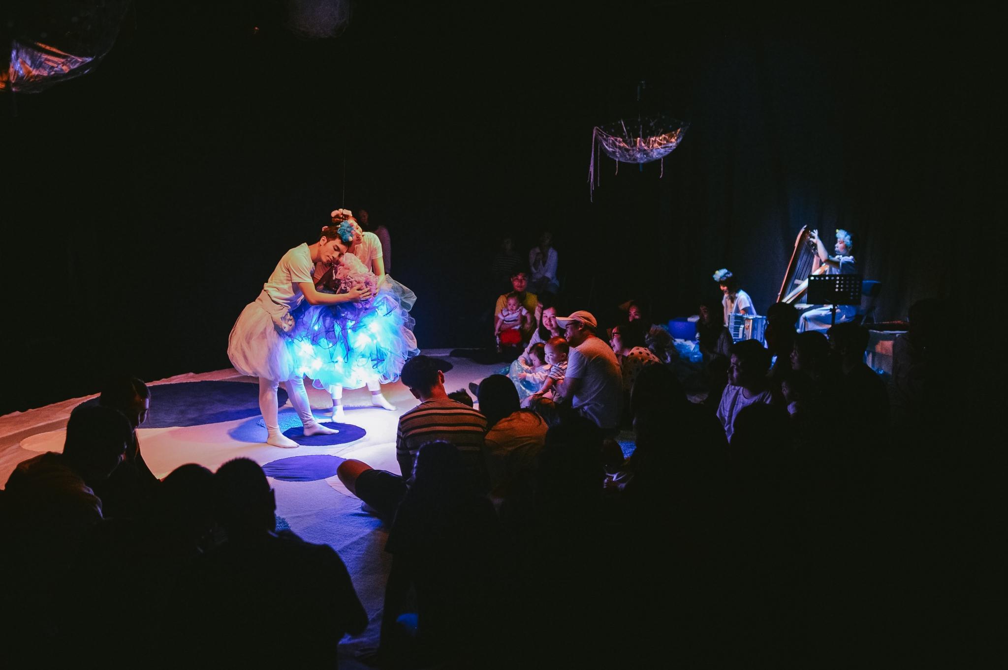 《親親「泡泡」郁郁貢》劇照(照片由大老鼠兒童戲劇團提供)